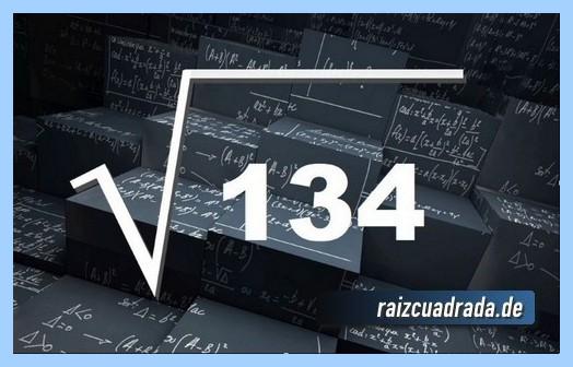 Representación matemáticamente la operación raíz del número 134