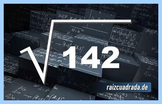 Forma de representar matemáticamente la operación matemática raíz del número 142