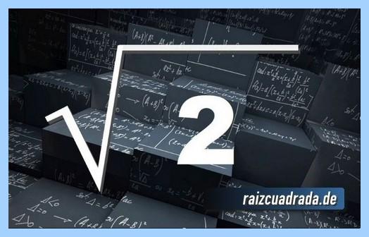 Como se representa comúnmente la operación raíz cuadrada de 2