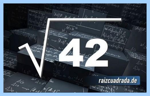 Representación conmúnmente la operación matemática raíz cuadrada del número 42