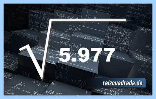Forma de representar comúnmente la operación matemática raíz cuadrada del número 5977