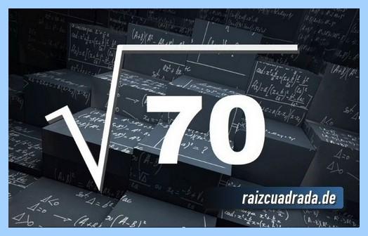 Como se representa matemáticamente la operación raíz cuadrada de 70