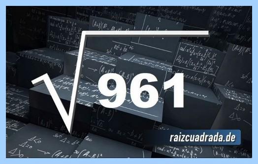 Como se representa matemáticamente la operación matemática raíz de 961